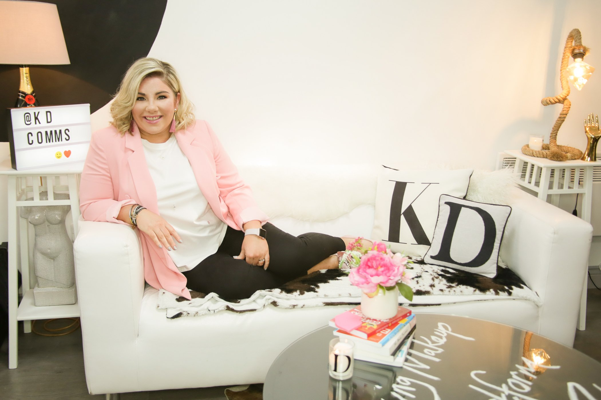 Kathryn lounges on a sofa to talk with you about her Headliners Online community for Start Ups and Micro Businesses